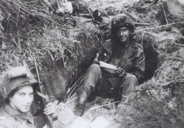 Same sex in the foxholes pics